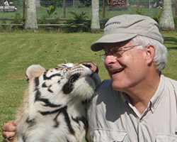 Bruce_Stone_with_Tiger